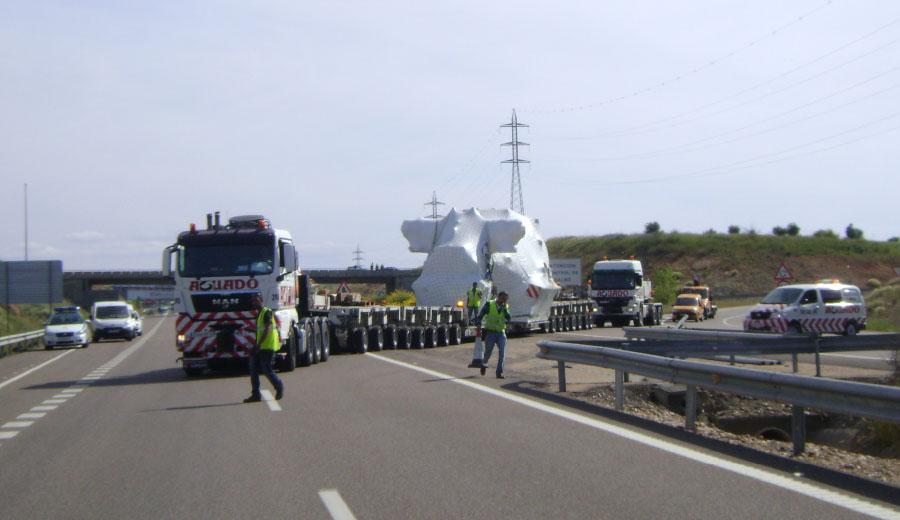Transporte de Turbina de Vapor. Puerto de Sevilla.Central Termosolar Miajadas (Cáceres).Aguado